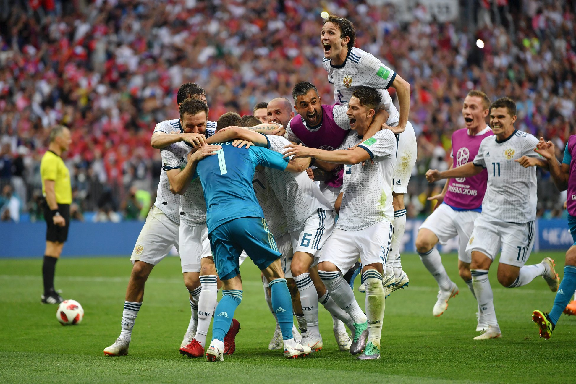 Os russos nem queriam acreditar que tinham eliminado a Espanha.