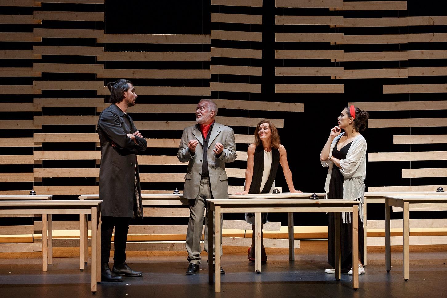 Ivo Bastos, Jorge Pinto, Emília Silvestre e Teresa Arcanjo formam o quarteto de atores.