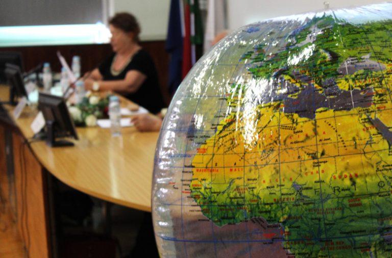 A conferência teve lugar no Auditório Nobre da FLUP.