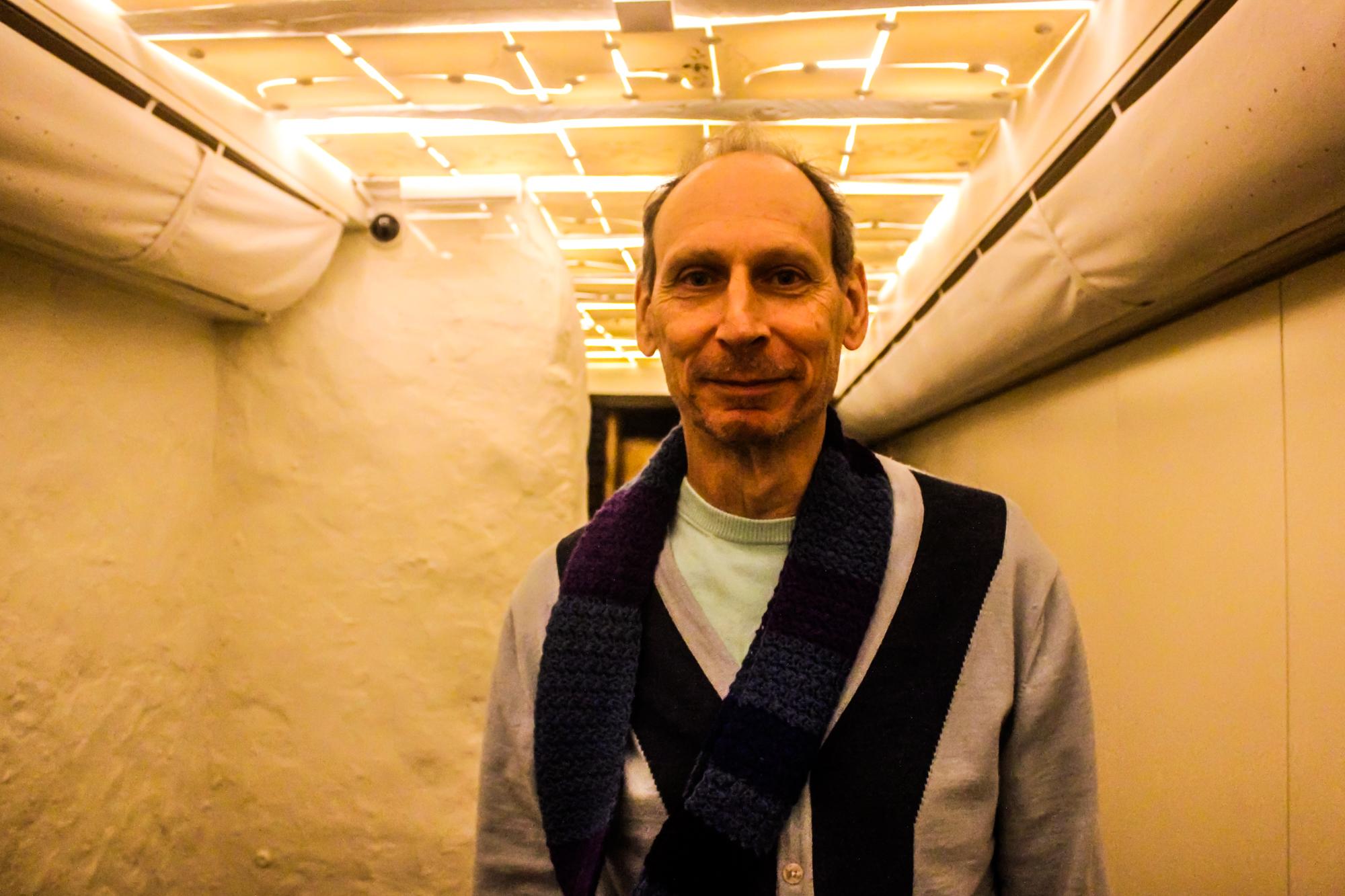 Richard Zimler nasceu em Nova Iorque mas vive no Porto desde 1990.
