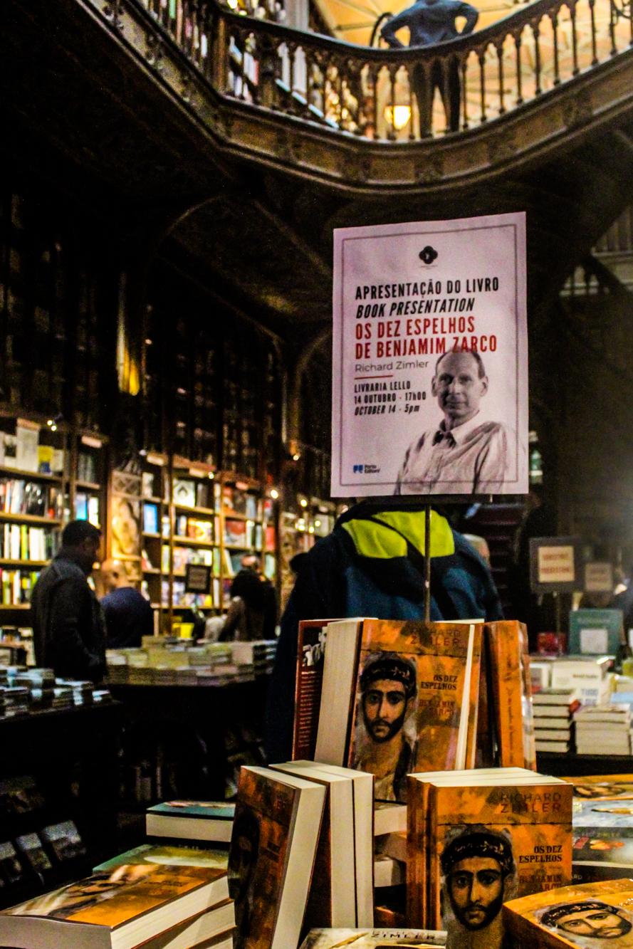 """A Livraria Lello acolheu a apresentação de """"Os dez mandamentos de Benjamin Zarco""""."""