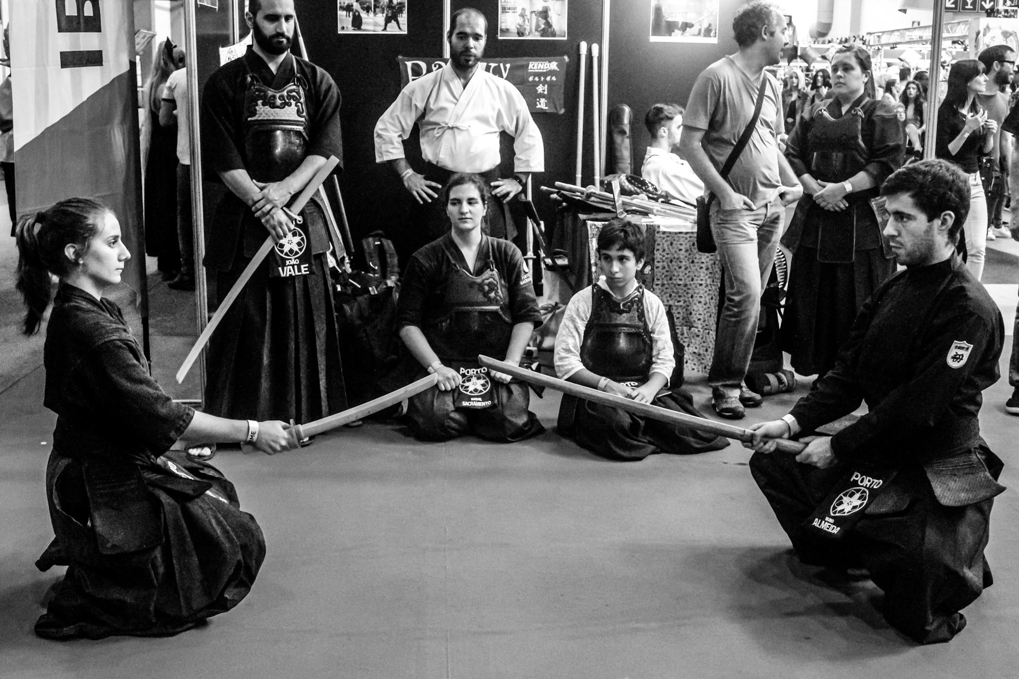 Evento inclui demonstrações de várias artes marciais.