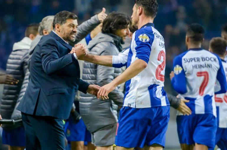 Sérgio Conceição festeja vitória final.