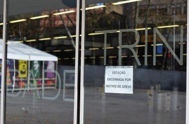 Praticamente todas as estações de Metro estiveram encerradas esta segunda-feira.