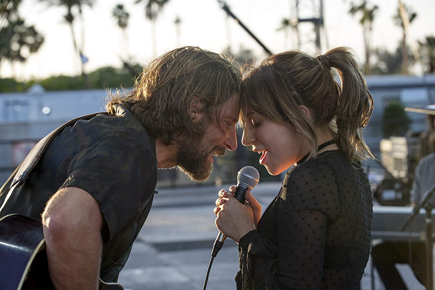 "Bradley Cooper e Lady Gaga nomeados pela performance em ""A Star is Born""."