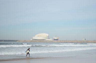Obras de prolongamento do quebra-mar de Leixões podem vir a afetar a prática de surf.