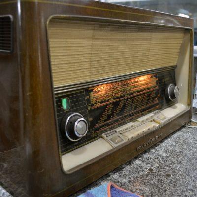 Rádio dos anos 50 de Virgílio Freitas.