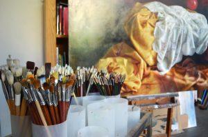 É no seu estúdio em Vila Nova de Gaia que António Macedo retrata.