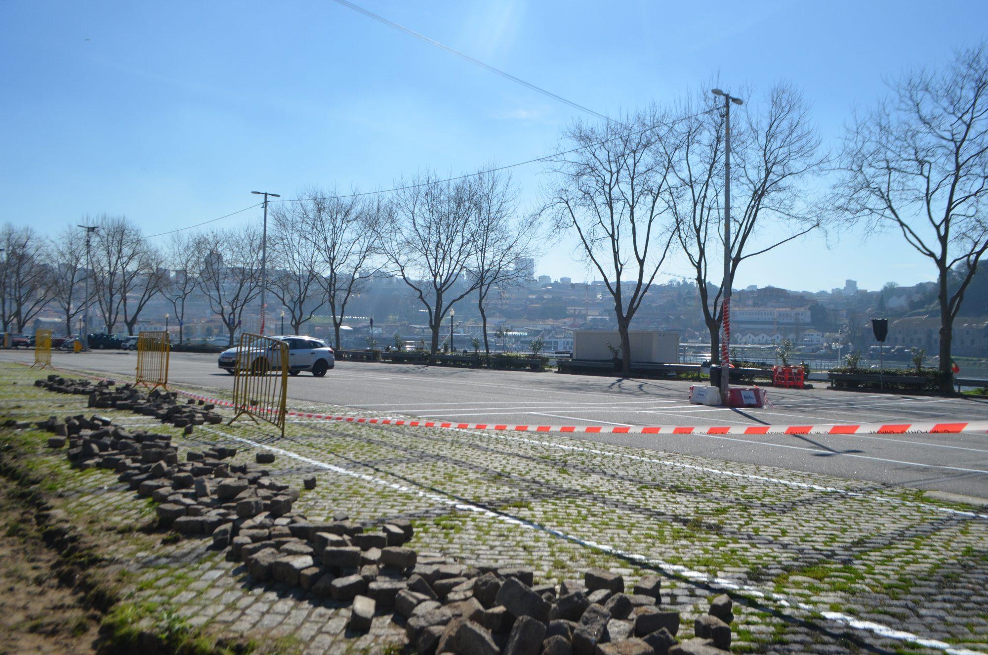 Parque da Alfândega ainda sem autocarros na manhã desta terça-feira.