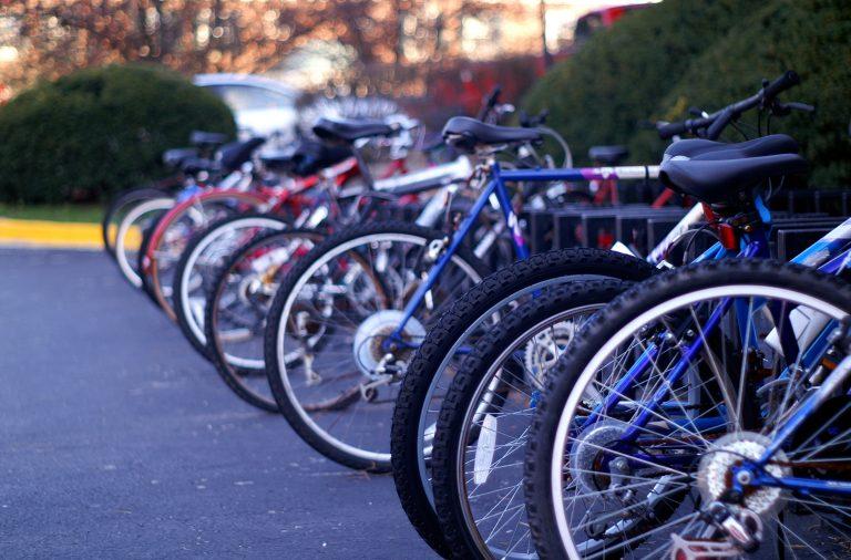 Câmara do Porto que aumentar a utilização de bicicletas e trotinetas em meio urbano.