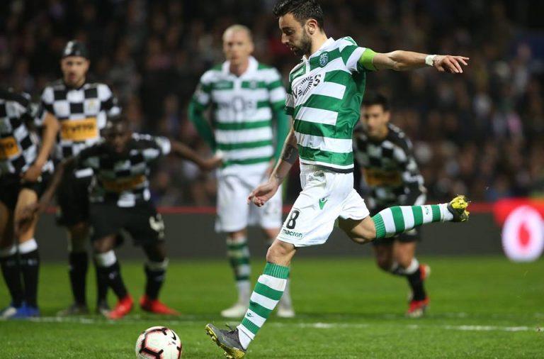 Bruno Fernandes voltou a ser decisivo, aqui na marcação do pênalti que deu três pontos aos leões.