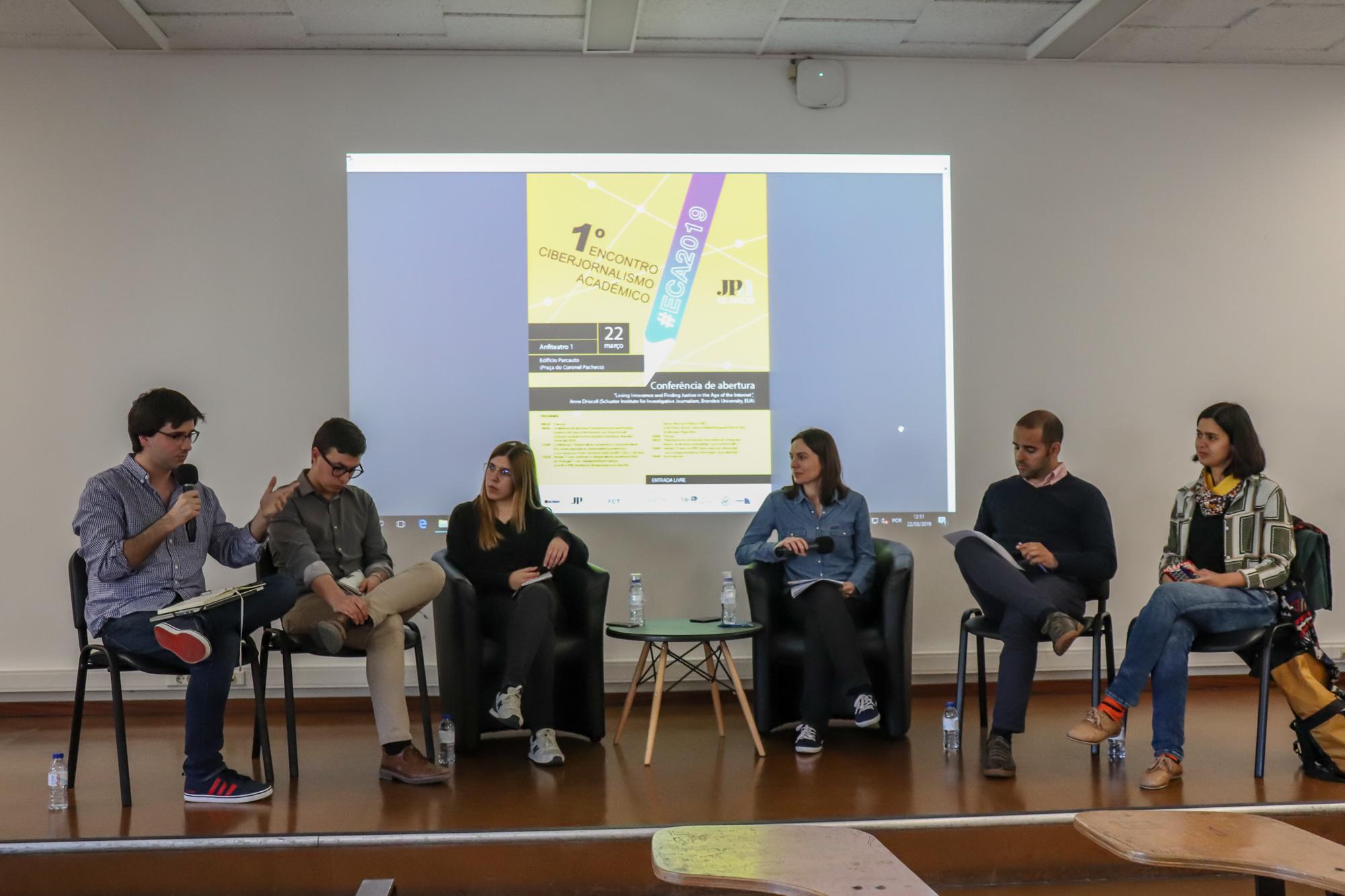 """O debate """"Como melhorar o ciberjornalismo académico feito em Portugal?"""" abordou as potencialidades e fraquezas dos cibermeios."""