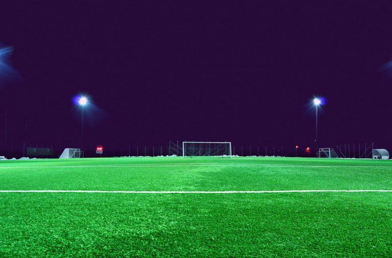 O estudo analisou os efeitos que os treinos à noite têm no sono de jogadoras de futebol.