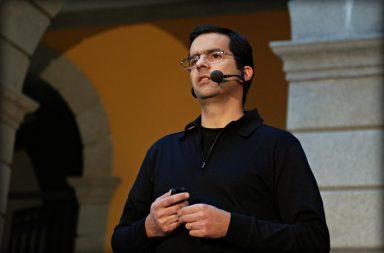 Pedro Santos Guerreiro deixa a direção do Expresso.