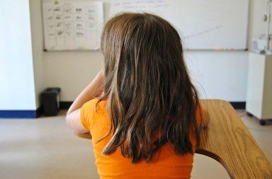 Estão em falta nas escolas cerca de 5.000 funcionários em escolas públicas