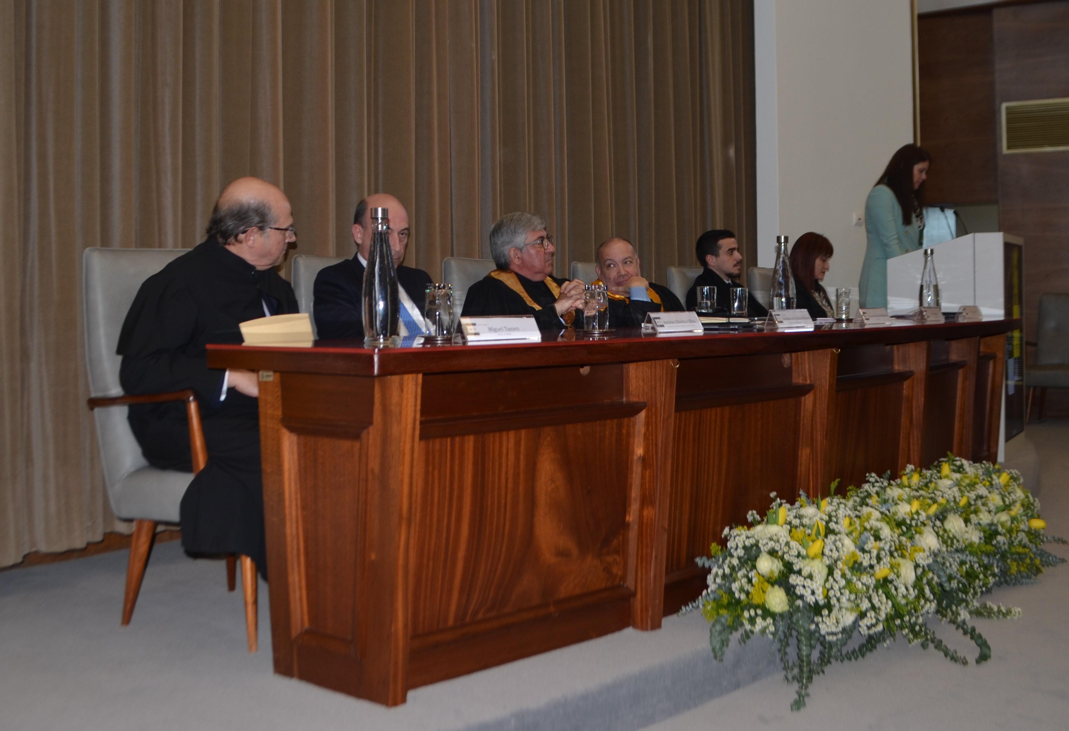 """A """"Universidade como deve ser""""é o tema que o orador convidado, Miguel Tamen, trouxe à discussão."""