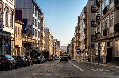 A rua de Camões vai ter uma substituição integral do pavimento da faixa de rodagem.