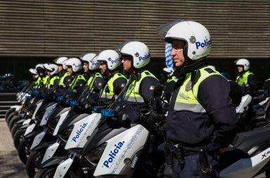 A frota de veículos da Polícia Municipal do Porto (PM) foi equipada com 17 novas motas esta quinta-feira.