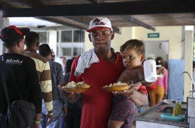 Venezuelanos procuram abrigo nos paízes vizinhos.