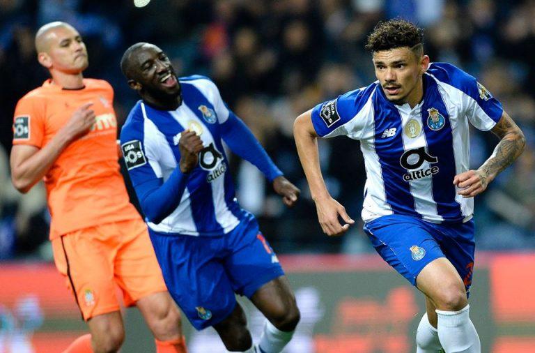 Soares abriu o caminho da vitória ao FC Porto da marca de grande penalidade.