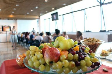 .A Estratégia Integrada para a Promoção da Alimentação Saudável é um projeto que visa os estudantes universitários a comer melhor.