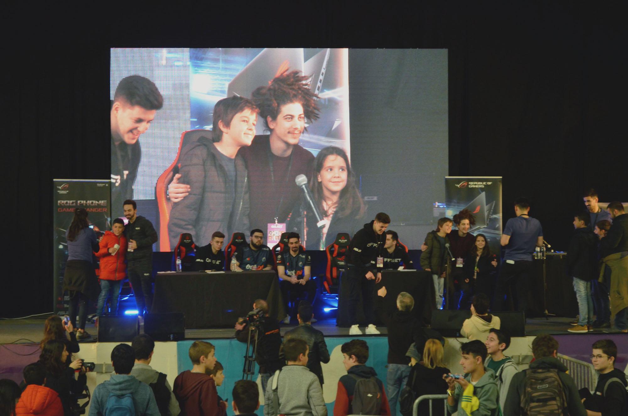 O encontro serviu como oportunidade para muitos prémios, conversas, dicas, autógrafos e fotos entre os gamers e os seus fãs.