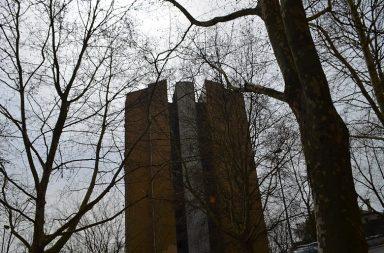 Só 11 famílias residem nas três torres do Aleixo e na primeira semana de maio o bairro deverá estar vazio.