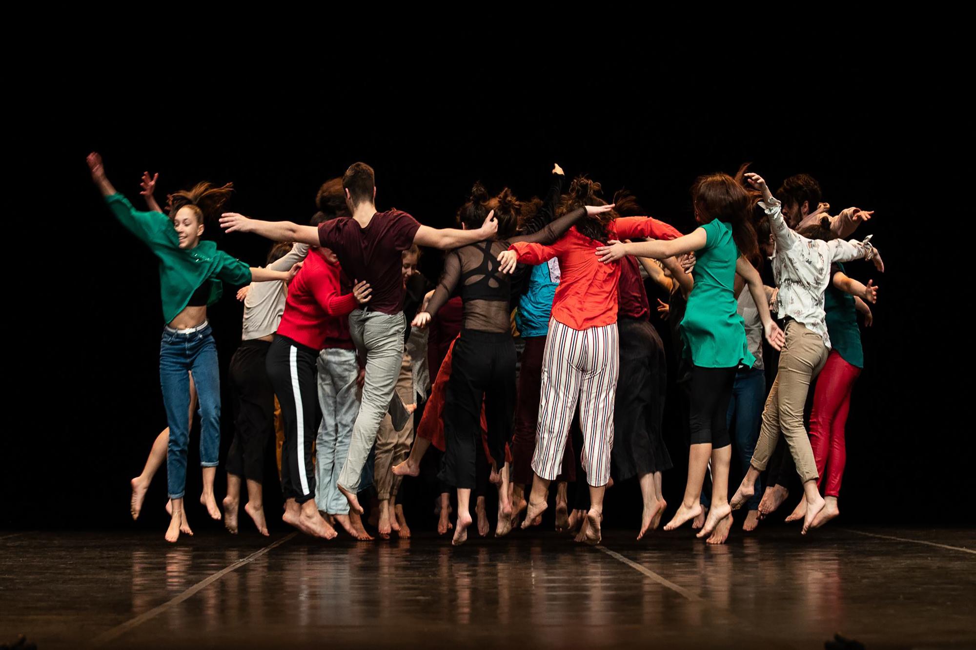 8eb3f87ea Balleteatro: 30 anos de palcos e memórias - JPN