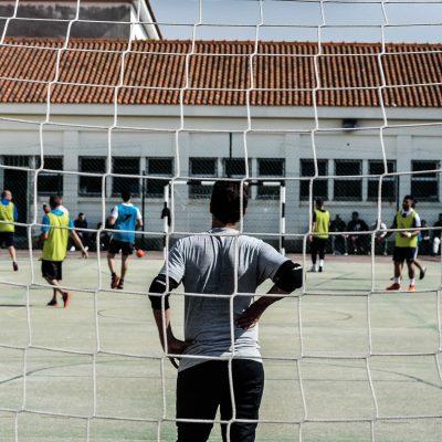 O jogo, visto da baliza dos estudantes