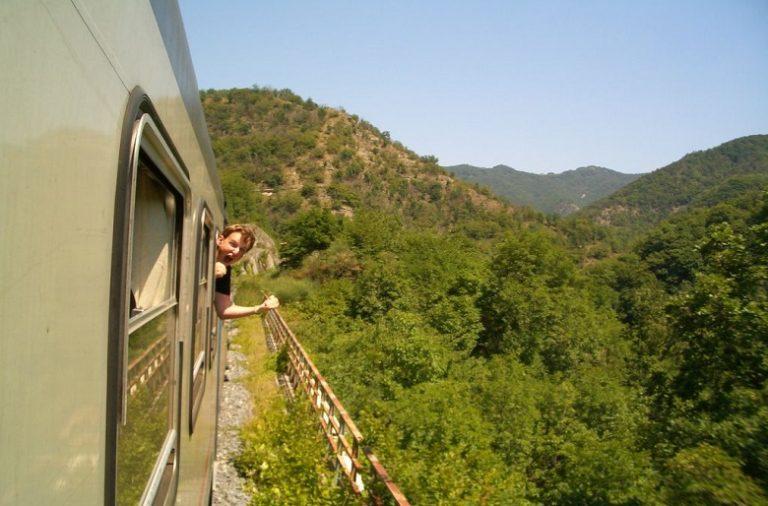 Os jovens selecionados vão poder passar um mês a viajar pela Europa entre agosto de 2019 e janeiro de 2020.