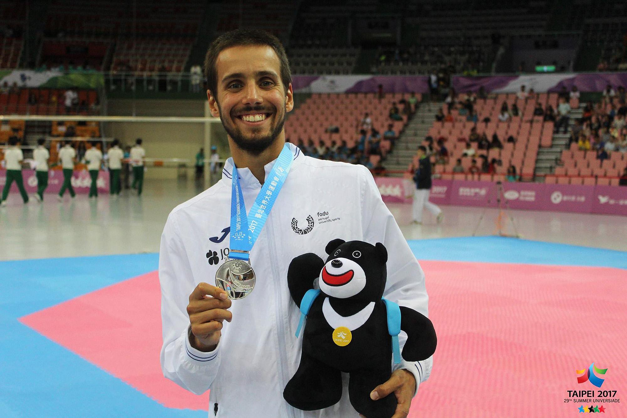 Na cidade de Taipei, em 2017, Rui Bragança somou a segunda medalha de prata por Portugal no Taekwondo.