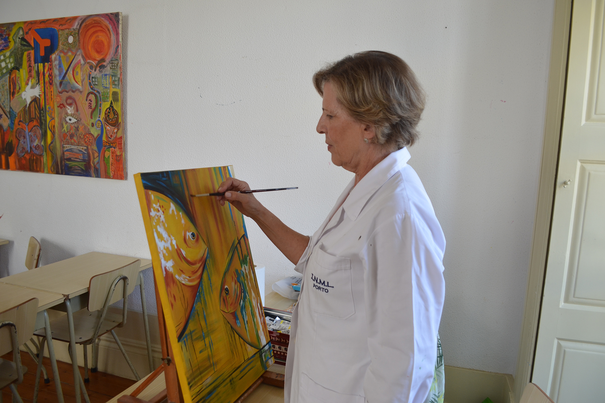 Aos 67 anos, Maria de Fátima Pinheiro, antiga técnica superior de saúde, admite que pintar é uma paixão.