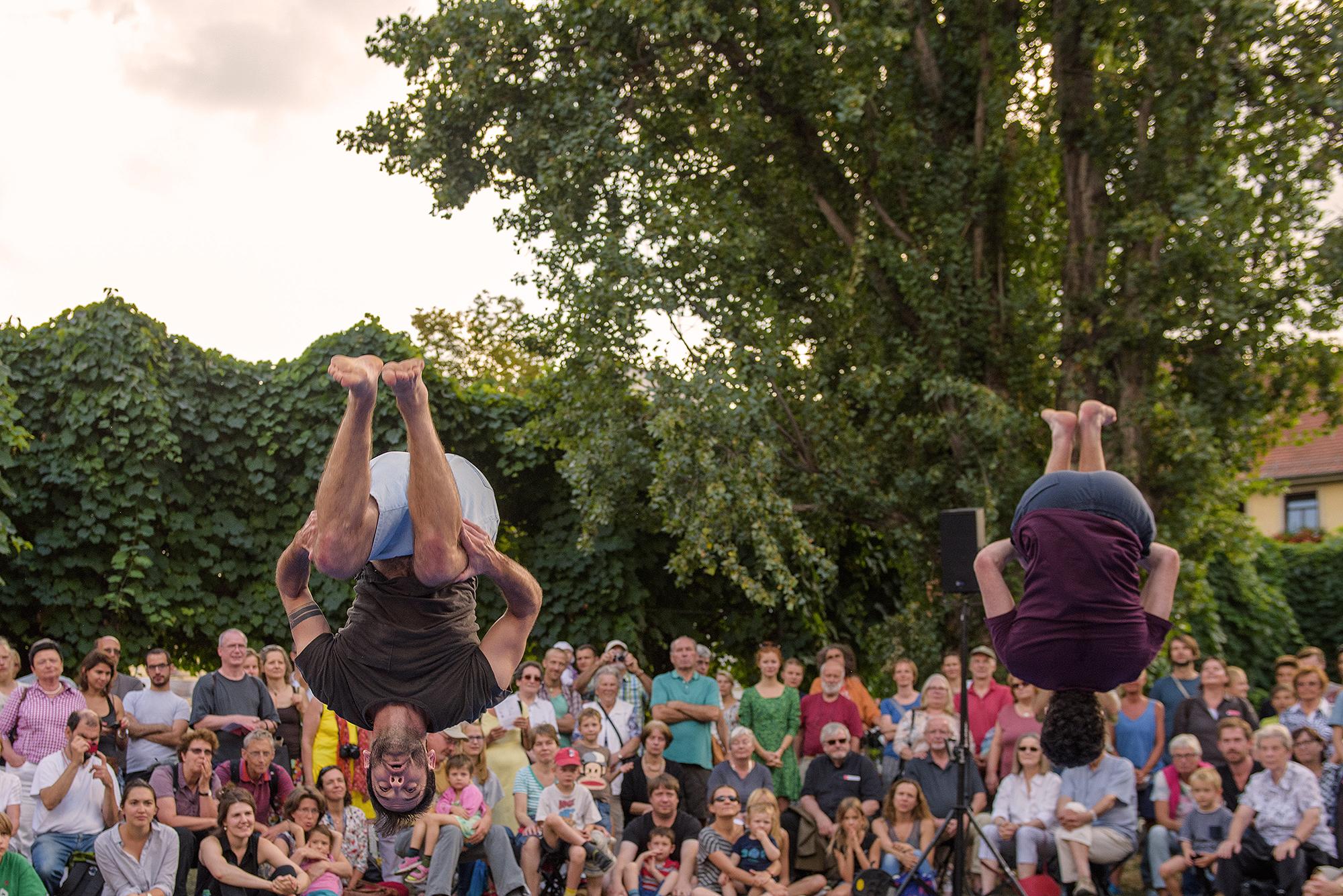 """""""Gravitas"""" vai colocar o público a pensar em gravidade. A coreografia é de Ofir Yudilevitch."""