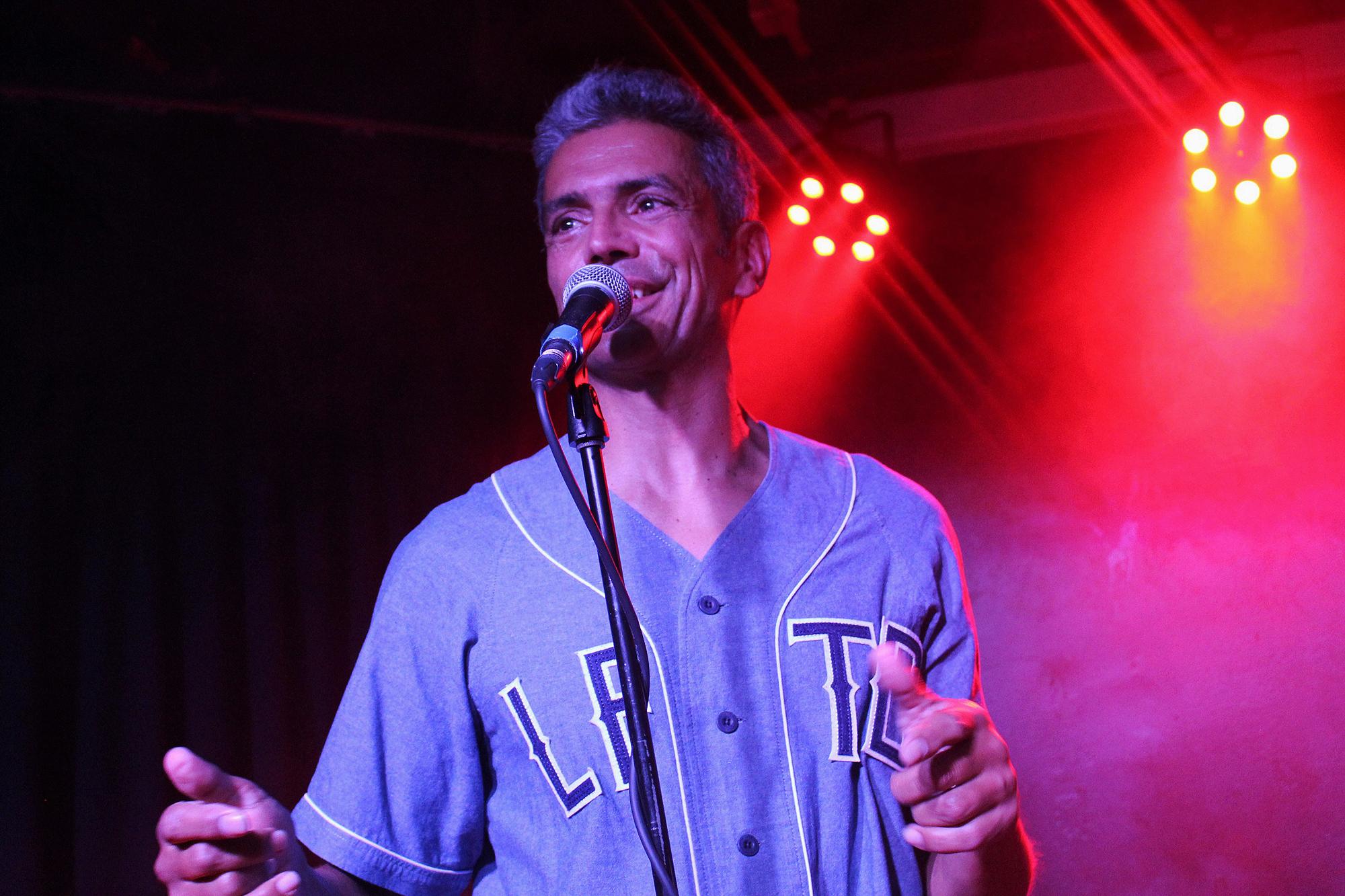 Jorge Romão, baixista dos GNR, juntou-se a Úria em palco.