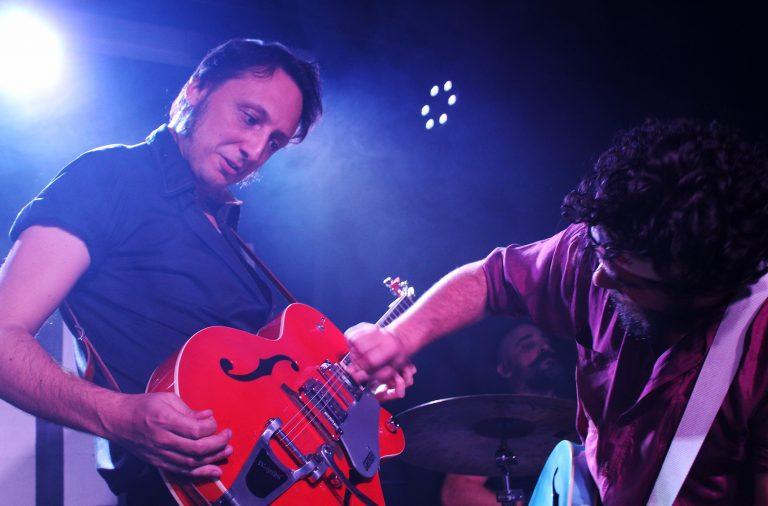 Samuel Úria deu dois concertos nos Maus Hábitos, no Porto.