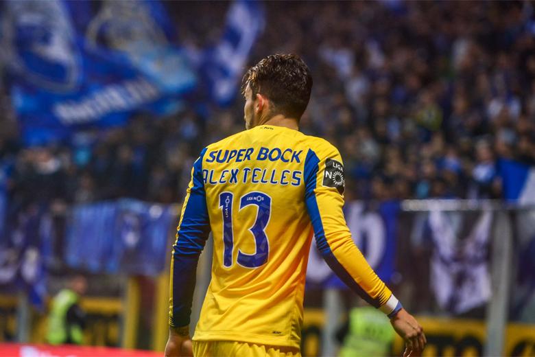 Alex Telles marcou o único golo do jogo.