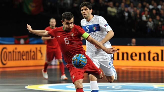 Arnaldo foi capitão da seleção nacional de futsal.
