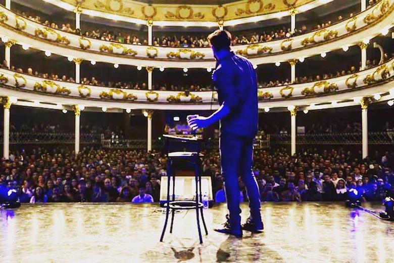 Hugo Sousa esgotou, a 16 de outubro, o Teatro Sá da Bandeira, no Porto.