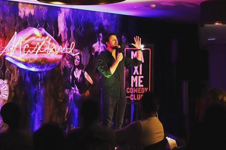 Hugo Sousa ao vivo no Cabaret Maxime.