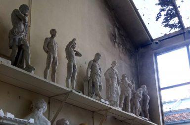 A humidade nas salas do Pavilhão de escultura e pintura é uma das queixas constantes dos estudantes.