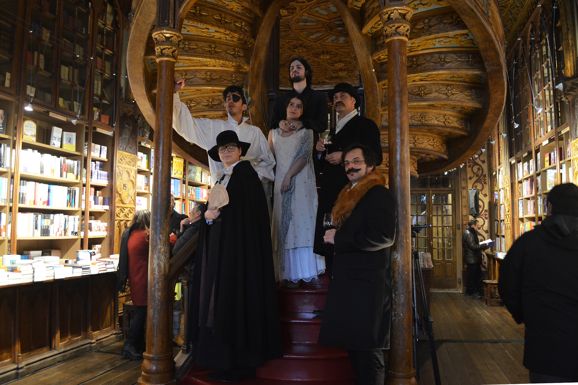"""Algumas personagens do imaginário português """"acordaram"""" para receber os visitantes."""