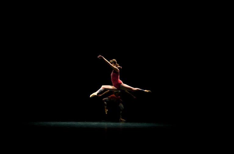 A peça Onironauta aborda a capacidade de controlar os sonhos e moldar o seu sentido.