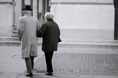 """""""Bem falantes, com uma conversa cativante"""" são os indivíduos que, no ano de 2019, originaram mais de 1.400 burlas em Portugal."""