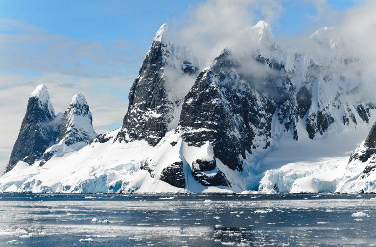 A temperatura no Pólo Sul atingiu os 20.75ºC, ultrapassando o recorde de 19.8ºC registado em 1982.