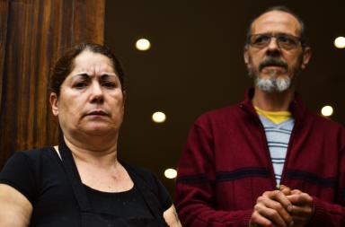 Da esquerda para a direira, Fernanda Helena acompanhada pelo marido, Júlio.