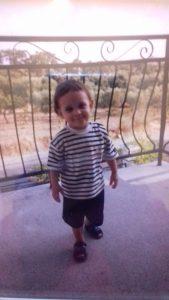 Pedro, com cerca de quatro anos