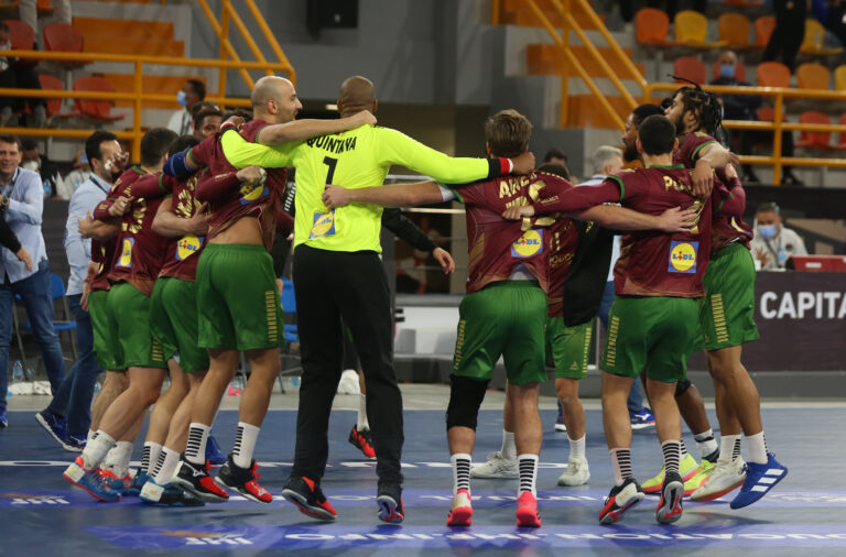 Miguel Martins com seis golos e Pedro Portela com cinco foram os melhores marcadores de Portugal na partida.