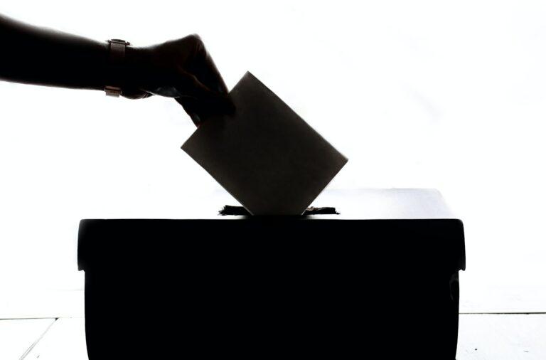 Este ano foi aprovado um regime excecional e temporário de voto antecipado. Qualquer eleitor registado pode optar por requerir o voto em mobilidade entre 10 e 14 de janeiro.