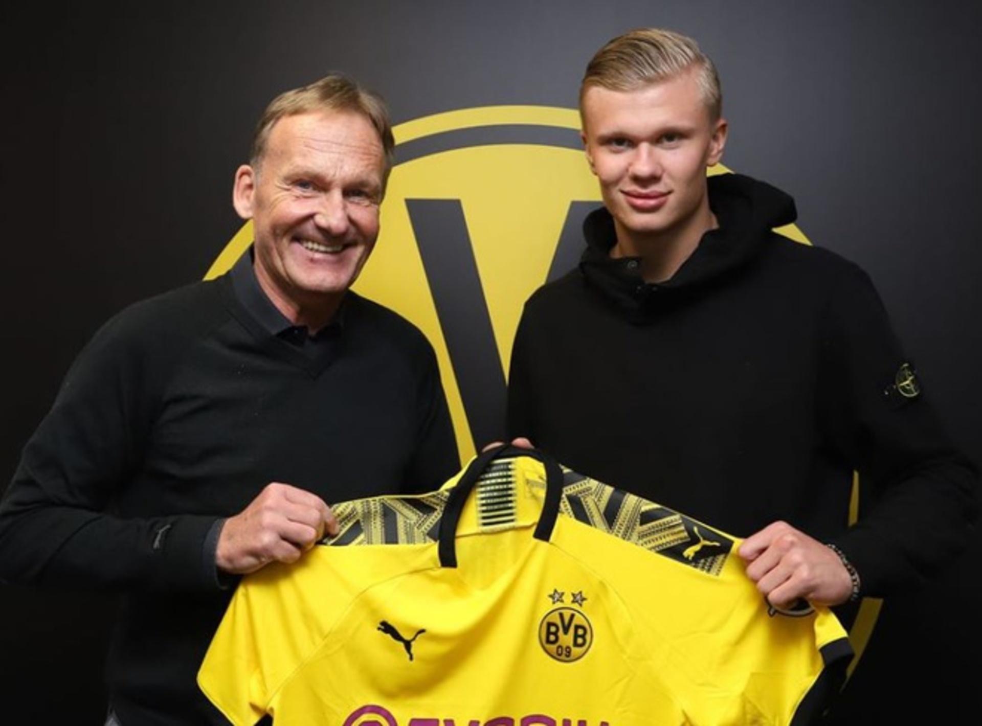 Haaland e o seu pai, no dia da apresentação no Borussia Dortmund.