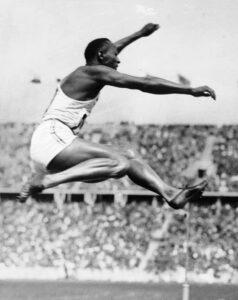 Jesse Owens foi o atleta mais marcante das Olímpiadas de Berlim.